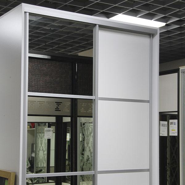 Шкаф-купе ЛДСП+зеркало